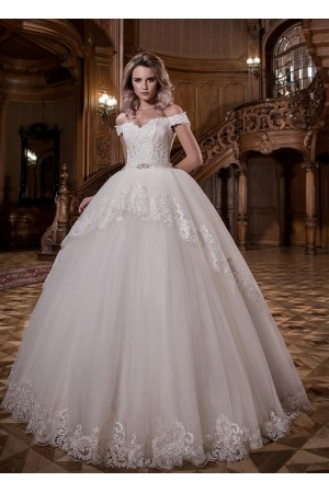 Off the shoulder Ball Gown Wedding Dress
